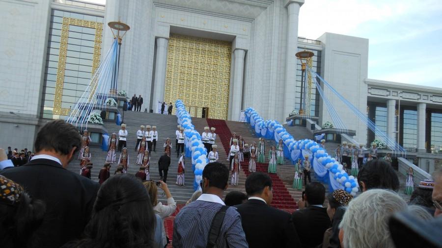Le Sergi Koshgi Exhibition Center lors de l'inauguration