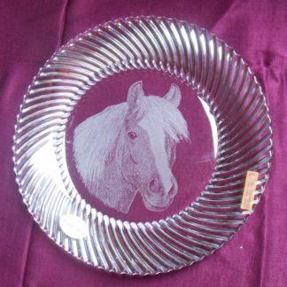 assiette en cristal tête cheval